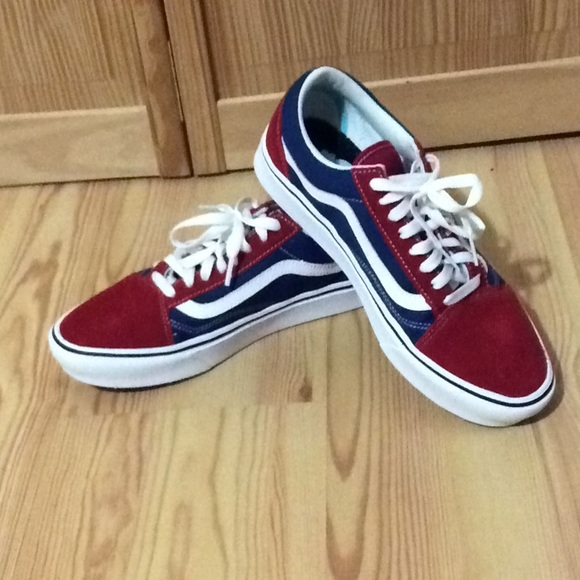 Vans special edition red white \u0026 blue shoes NWOT NWT